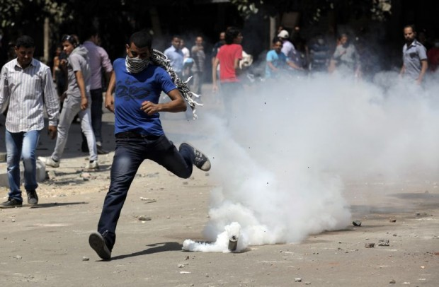 egypt-protests-u-s-embassy-620x406